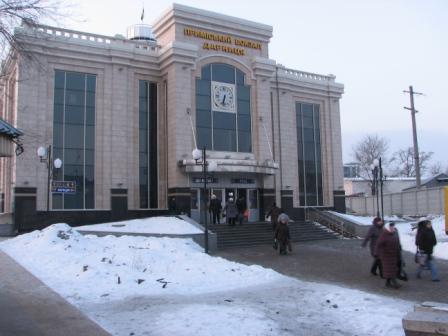 Дарницький вокзал, північний вестибюль, зима