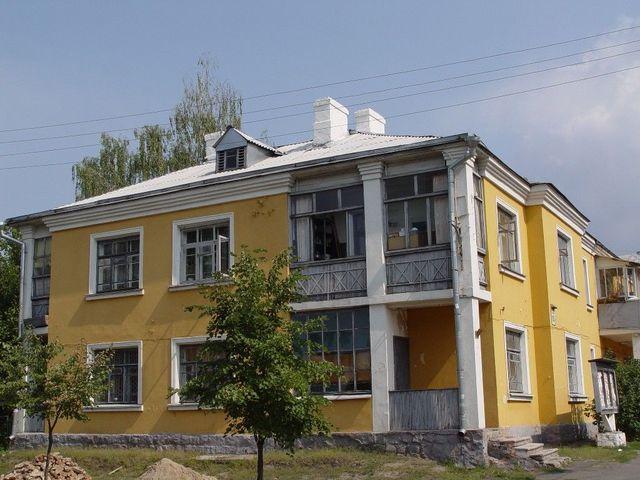 ДВРЗ, будинок з годинником