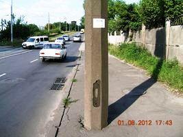 Забиті зливоприймачі перед мостом ДВРЗ