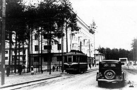 Трамвай на Дарницькому шосе (сучасна назва - вул.Алма-Атинська)