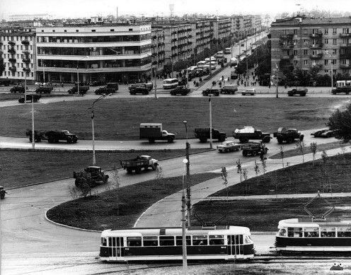 Ленінградська площа. Видно розвилку на ДВРЗ