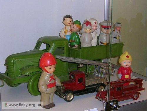 Виставка донецької іграшки в Києві