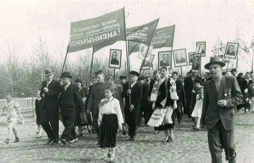 Жители ДВРЗ на демонстрации
