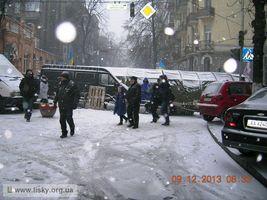 Київський Євромайдан: вранішні барикади. Вулиця Інститутська