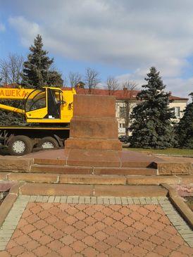 На ДВРЗ не стало пам'ятника Леніну