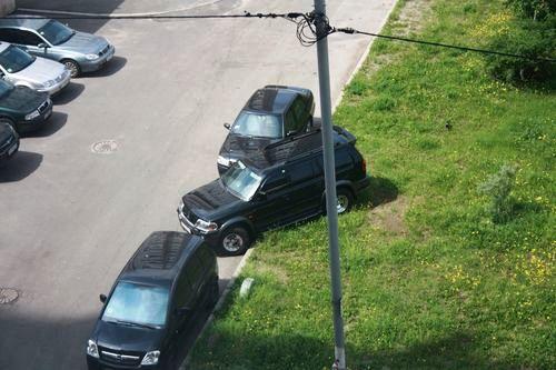 Паркування на газоні