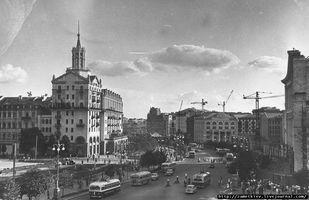 Начало 50-х годов, Крещатик активно отстраивается