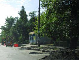Ремонт бордюрів на вулиці Празькій