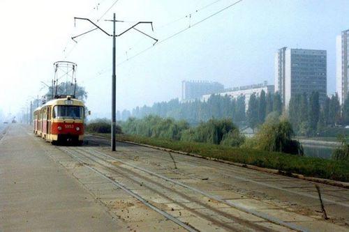 Трамвай на проспекті Воз'днання