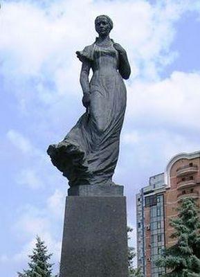Памятник Лесе Украинке в Киеве