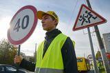 Встановлення нових дорожніх знаків на Празькій вулиці