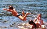 На Березняках купатися можна, а на ДВРЗ - ні
