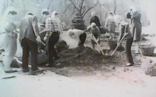 Квітень 1964 року - недільник у парку ім.Т.Г.Шевченка