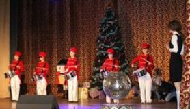 Фотозвіт з новорічної вистави