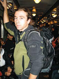 Заплічні речі в київському метро
