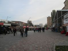 Фестиваль уличной еды на арт-заводе Платформа в Киеве