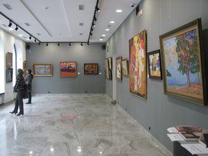 Триває виставка живопису біля метро Кловська