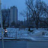 У Києві - снігопад. Доріжки в скверах розчищають. Біля будинків - ні
