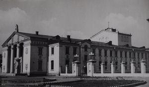 Так выглядел Дворец культуры Дарницкого вагоноремонтного завода в 1954 году