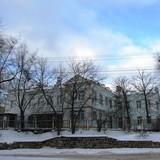 Володимир Гройсман просить відремонтувати стіну на ДВРЗ
