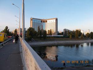 На Русанівці продовжується ремонт готелю Славутич