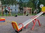 Про стан дитячих майданчиків після зими