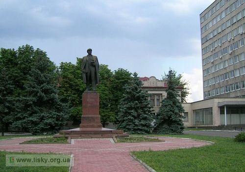Скульптури київської місцевості ДВРЗ