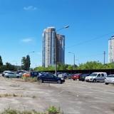 На Березняках учора здали в оренду паркувальний майданчик