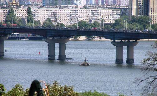 Міст Патона й масив Березняки - вигляд з правого берега