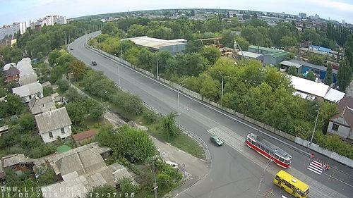 Перед мостом ДВРЗ намалювали перехід