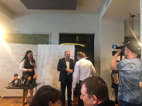 Фонд Віктора Пінчука придбав квартири для звільнених з російського полону українських моряків