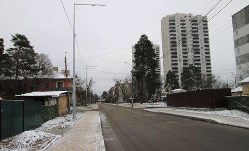 Вулиця Макаренка у київській місцевості ДВРЗ