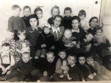 У приміщенні садочку на ДВРЗ. 1951 рік