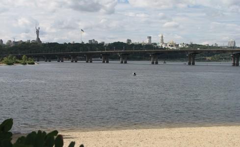 У проекті реставрації мосту Патона передбачать можливість влаштування трамвайних колій?