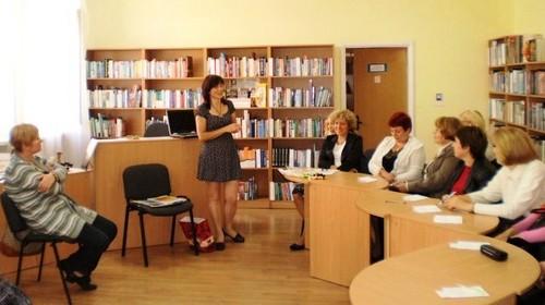 Бібліотека на ДВРЗ запрошує на роботу