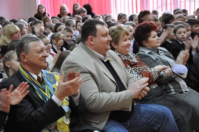 Депутат Павло Тесленко серед школярів і викладачів
