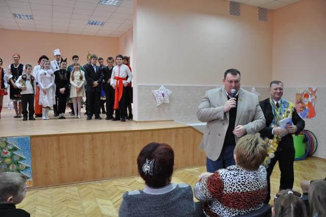 Павло Тесленко серед школярів