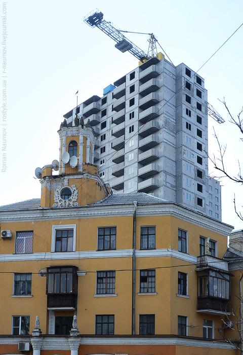 ...превращающие яркий исторический облик в серый современный