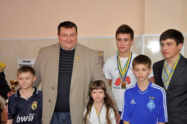 Павло Тесленко з учнями