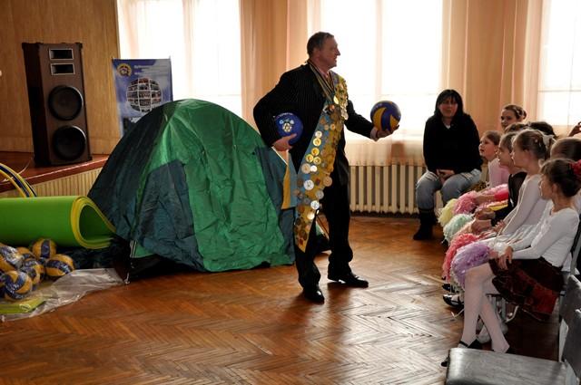 Юрій Чиж зі школярами