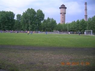 Стадіон ДВРЗ, грають ветерани